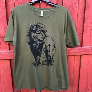 Literate smart lion T-shirt olive green Men's XL